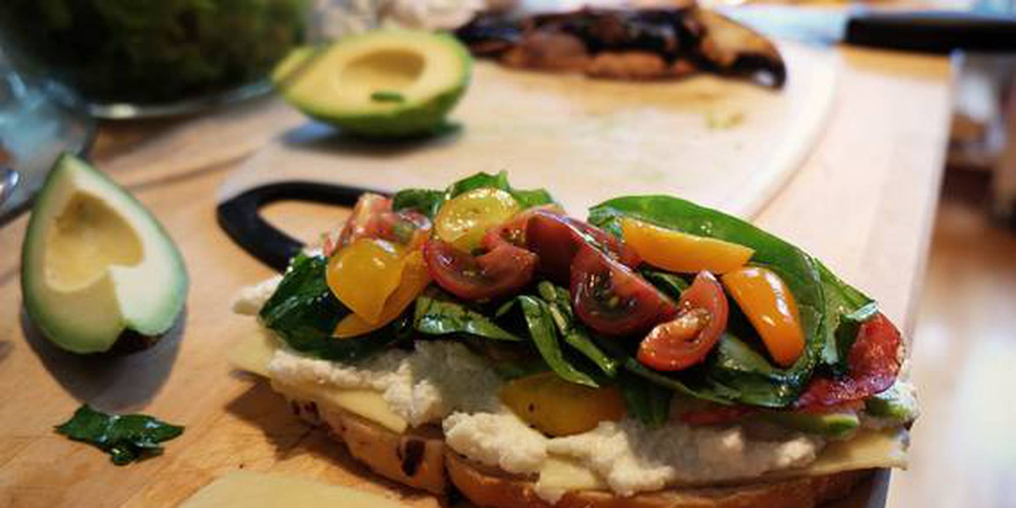 bread_food_sandwich_healthy-crop-c0-5__0-5-570x380-70.jpg